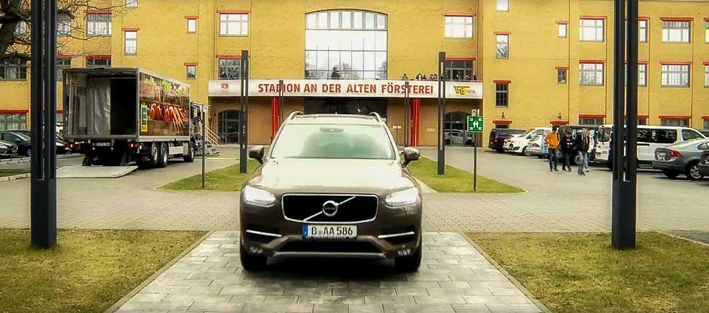 1 fc union berlin autos kauft man bei koch gute. Black Bedroom Furniture Sets. Home Design Ideas
